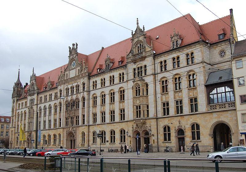 Justizpalast in Magdeburg lebt von der Gerichtsgebühr!
