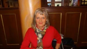 Frau Adrian schlägt sich jeden Tag mit den Folgen des Unfalles herum - schleppt sich von Behandling zu Behandlung.