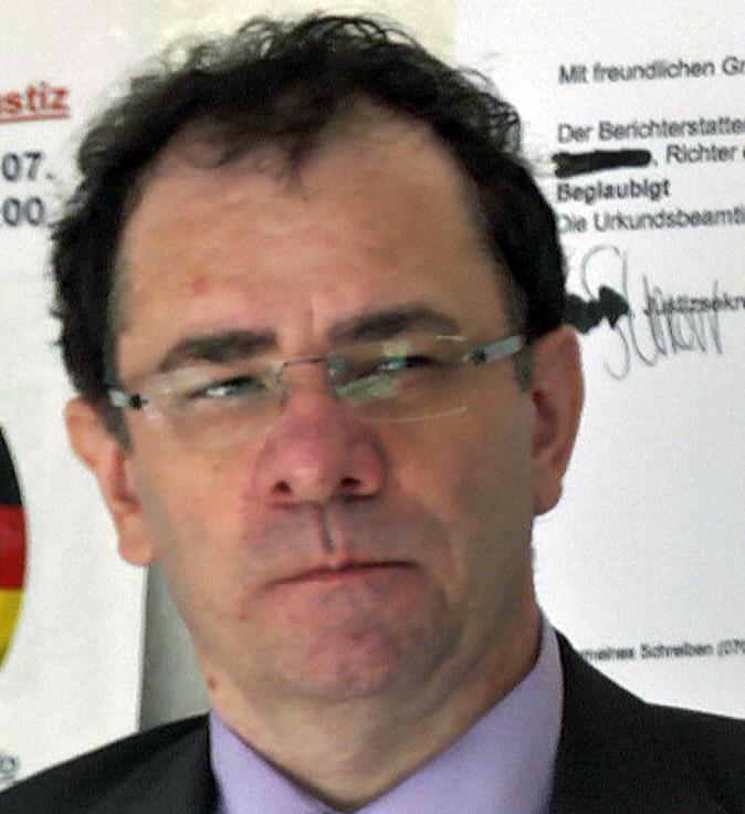 Mike Jähn - hat nachweislich die Homepage des Verein Justizopfer gehackt und den Verein durch Intriegen zerstört.