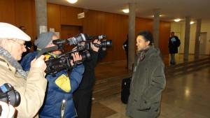Dr. David Schneider-Addae-Mensah vor der Presse....
